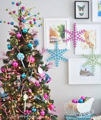 Christmas Decorations For A Large Wall remodelaholic holiday decorating ideas for every room in your home