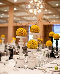 modern centerpieces inspired by this modern table from theknot can t go