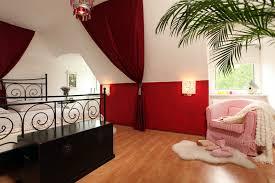 schlafzimmer gestalten mit dachschrge schlafzimmer schräge gestalten mode auf schlafzimmer auch mit