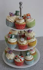 Mad Hatter Tea Party Centerpieces by Best 25 Mad Hatter Cake Ideas On Pinterest Mad Hatters Tea