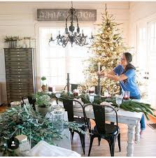 Hgtv Holiday Home Decorating 1906 Best Christmas Style Images On Pinterest Christmas Time