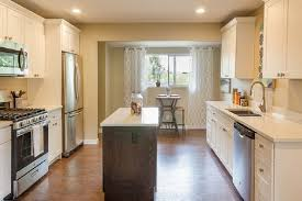 choosing kitchen cabinet paint colors tips to choose kitchen cabinet paint colors