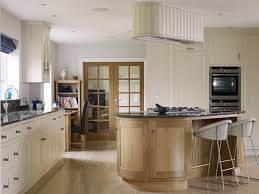 how to clean oak kitchen cabinets uk kitchen cabinet ideas photos classic kitchen design