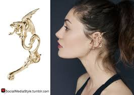 wearing ear cuffs social media style phoebe tonkin s ear cuff