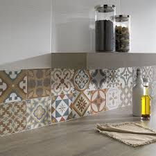 cuisine carreau ciment crédence cuisine carreaux de ciment patchwork et artistique
