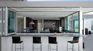 cuisine ouverte avec bar cuisine ouverte avec bar with classique chic cuisine décoration de