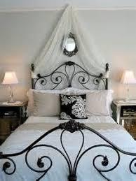 best 25 paris themed bedrooms ideas on pinterest paris bedroom