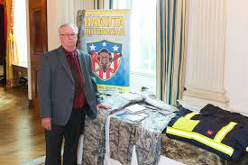 dakota outerwear co represents nd during trump u0027s made in america