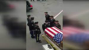 Raleigh Flag Heartbreaking Video Shows Fallen Soldier U0027s Remains Arriving At