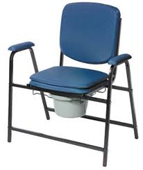 siege garde robe fauteuil garde robe chaise percee fauteuil de toilette
