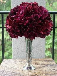 Burgundy Wedding Centerpieces by 18 Best Maroon And White Weddings Images On Pinterest Marriage