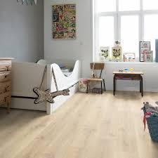 Black Oak Laminate Flooring Cr3179 Tennessee Oak Light Wood Beautiful Laminate Wood