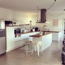 weiße küche mit holz die besten 25 küche weiß holz ideen auf weiße ikea