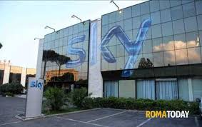 sede roma sky lascia roma e trasloca a 120 esuberi e 300 trasferimenti