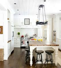 Farmhouse Kitchen Design by Best 25 Farmhouse Kitchen Island Ideas On Pinterest Kitchen