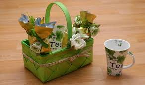 affordable gift baskets diy less expensive eco friendly day before gift baskets