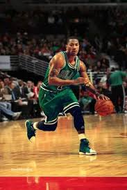 derrick rose jumping just at the right time pinterest