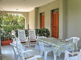 casa rosina is a welcoming apartment that is part of a villa