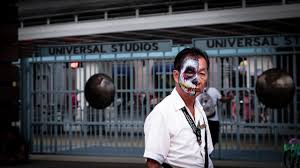 singapore halloween horror nights universal studio singapore halloween horror nights 5 wandering