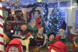 Christmas Decorations Shop Nyc by Over The Top Christmas Decorations Give Staten Island Homes A