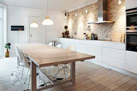 le pour cuisine moderne le parquet clair c est le nouveau hit d intérieur pour 2017