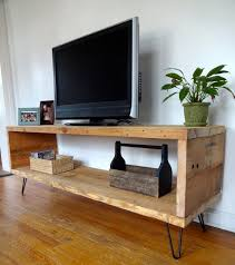 Build Simple Wood Desk by Best 25 Diy Tv Stand Ideas On Pinterest Restoring Furniture