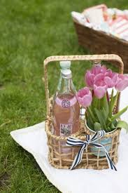 picnic basket ideas primavera picnics and gift
