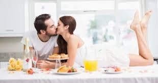 cuisine amour 10 bonnes raisons de faire l amour dans sa cuisine cuisine az