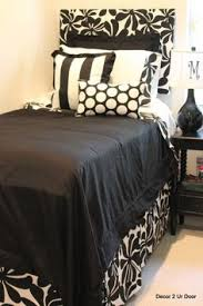 diy dorm room headboard for twin size bed traced u0026 cut out from a