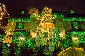 stunning dyker heights lights will renew your faith in