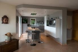 faux plafond cuisine cuisine cuisine avec ã lot central modele faux plafond salon