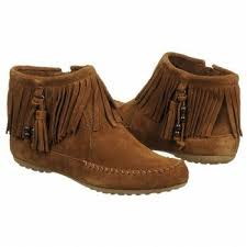 womens ugg moccasin boots get 20 moccasin boots ideas on without signing
