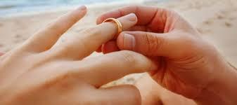 verlobungsring tragen an welcher kann den partnerring tragen partnerringe