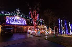 video brampton home glitters with 52 000 lights for christmas