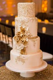 wedding cake gold best 25 white and gold wedding cake ideas on gold and