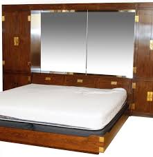 Henredon Bedroom Furniture Used Henredon Scene One Campaign King Bed And Storage Ebth