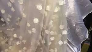 tissus robe de mari e tissu soie en fleurs pétales haute couture robe de mariée