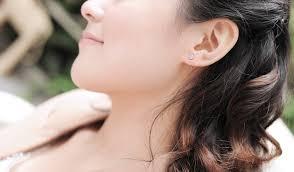 diamond earrings on guys 1 carat flower shape diamond earrings on 18k white gold jeenjewels