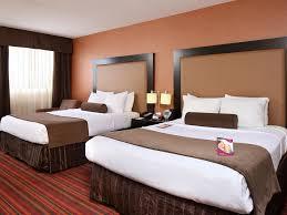 Bedroom Furniture Grand Rapids Mi by Crowne Plaza Grand Rapids Airport Grand Rapids Michigan