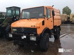 mercedes unimog cer mercedes unimog 424 4x4 sweeper truck in u s army depot