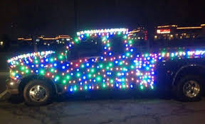 blue light on car grinched man faces 300 fine for covering his truck with christmas