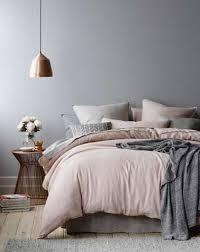 chambre couleur grise et ton de poudré couleurs grises