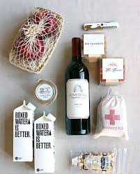 wedding guest gift 5 reasons to a wedding guest gift lounge mywedstyle