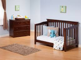 How To Convert Crib Into Toddler Bed by Columbia Girls Convertible Crib Ltdonlinestores Com