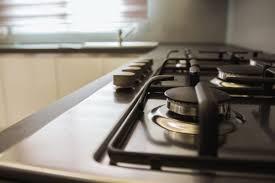 come pulire il piano cottura come pulire il piano cottura in acciaio con un ingrediente naturale