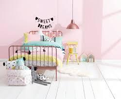 d orer chambre fille quelle est la meilleure option pour l oreiller enfant archzine fr