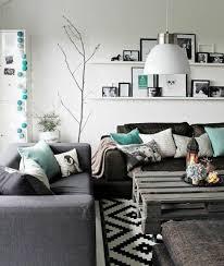 idee deco salon canap gris un salon en gris et blanc c est chic voilà 82 photos qui en témoignent