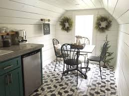 chip and joanna farmhouse fixer upper chip and joanna gaines holiday decorations