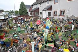 pensioner robert s garden filled with more than 1 000