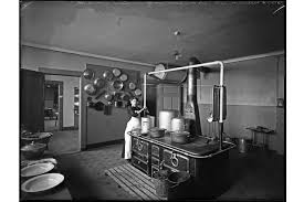 ecole de cuisine de file école de sécheron vue de la cuisine avril 1914 jpg